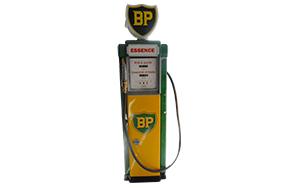 Ancienne Pompe à essence BP restaurée