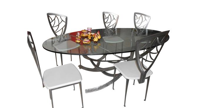 Table ovale Pièce unique Piètement fer forgé Plateau en verre 20mm