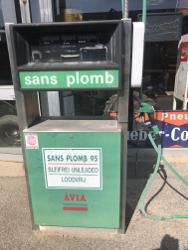 pompe-a-essence-avia